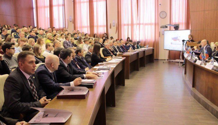Международнай круглый стол «4 ноября – День русского духа. «Россия – Донбасс», говорим на одном языке»