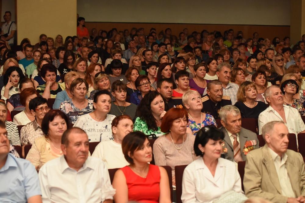 Денис Пушилин поздравил кировчан с Днем города
