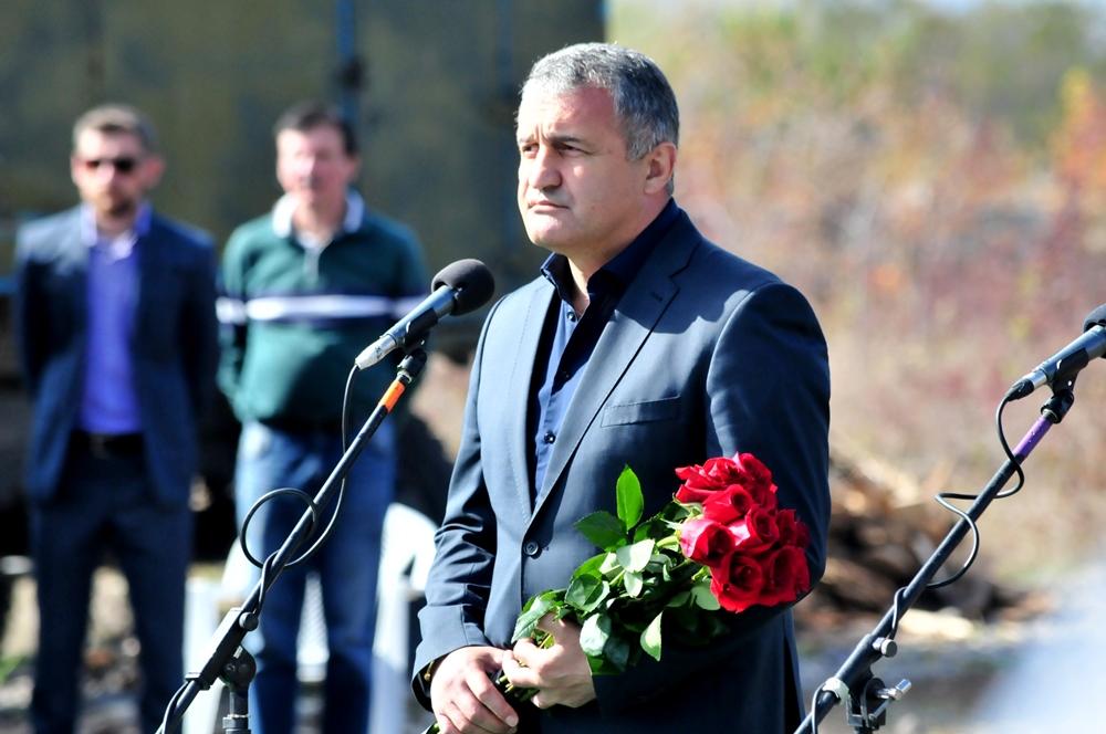 Денис Пушилин принял участие в траурных мероприятиях, посвященных чествованию памяти первого Главы ДНР Александра Захарченко