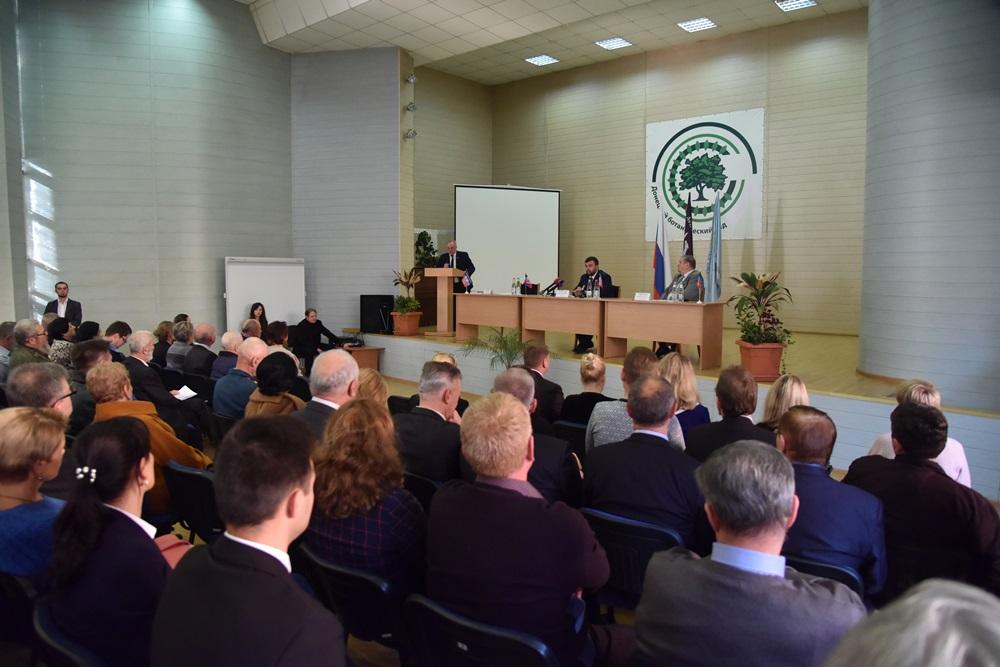 Врио Главы ДНР Денис Пушилин ответил на вопросы научно-образовательного сообщества