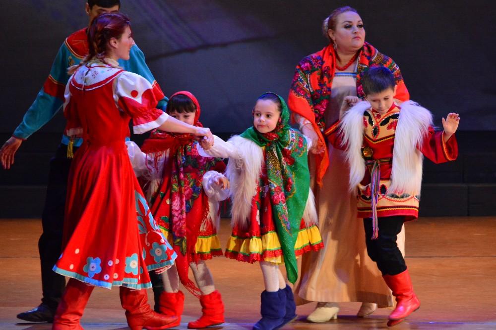 Глава ДНР Денис Пушилин посетил фольклорный праздник «Щедрый вечер»
