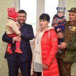 Вручение ключей от квартиры семье военнослужащего