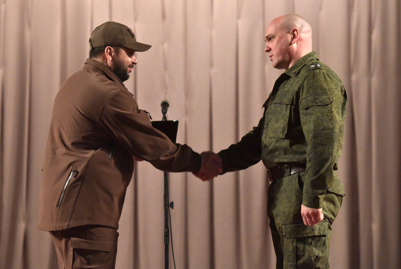 Глава ДНР Денис Пушилин наградил военнослужащих 9-го Отдельного гвардейского штурмового полка морской пехоты