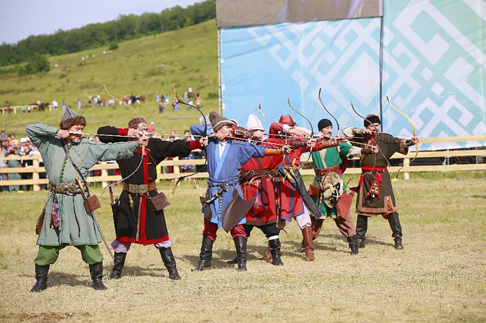 Глава ДНР Денис Пушилин принял участие в открытии фольклорного праздника «Торатау йыйыны» в Республике Башкортостан