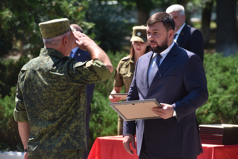 Денис Пушилин: Считаю своим долгом лично поблагодарить воинов Республики за их геройские поступки на передовой