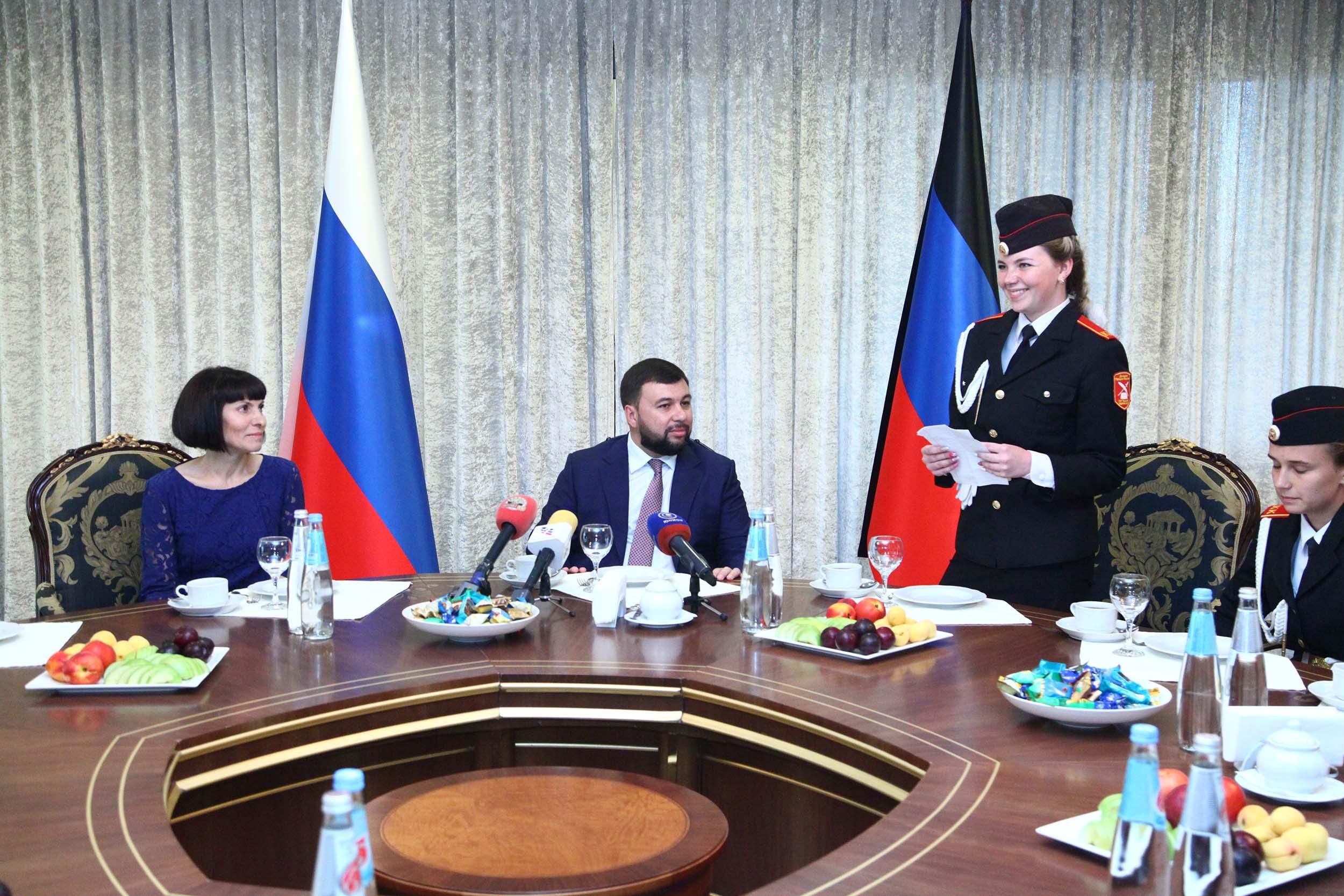 Глава ДНР Денис Пушилин встретился с кадетами – участниками праздника «Алые паруса» в Санкт-Петербурге