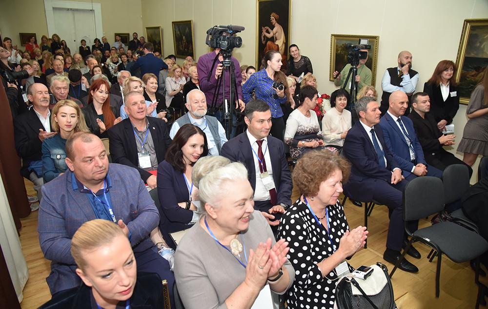 Глава ДНР Денис Пушилин сообщил о выделении дополнительного помещения Донецкому республиканскому художественному музею