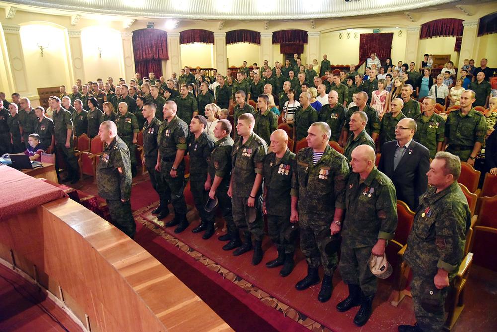 Глава ДНР Денис Пушилин поздравил военнослужащих с 76-й годовщиной освобождения Донбасса и Днем танкиста