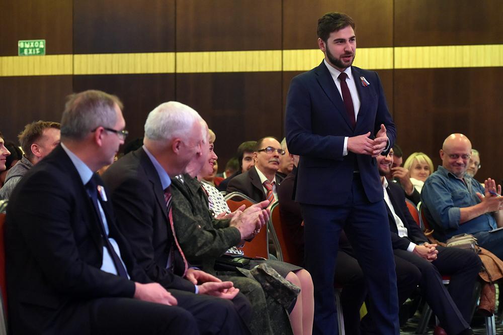 Глава ДНР Денис Пушилин провел открытый «диалог на равных» с активистами ОД «ДР»