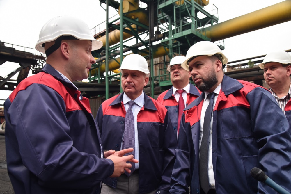 Глава ДНР Денис Пушилин ознакомился с работой промышленных предприятий в Горловке