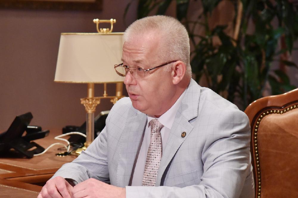 Глава ДНР Денис Пушилин провел встречу с ректором ДонНМУ Григорием Игнатенко
