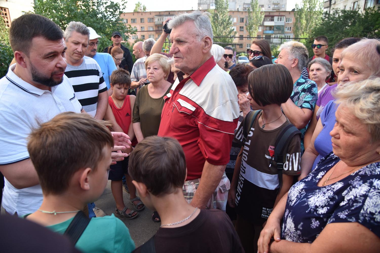 Денис Пушилин встретился с жителями Тореза