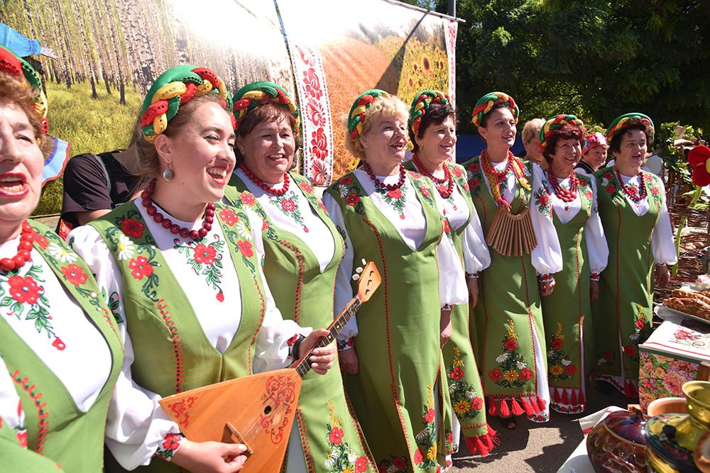 Денис Пушилин посетил праздник греческой культуры в Старобешевском районе